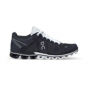 On RUNNING Cloudflow Femme Black I White   Collection Automne Hiver 2018